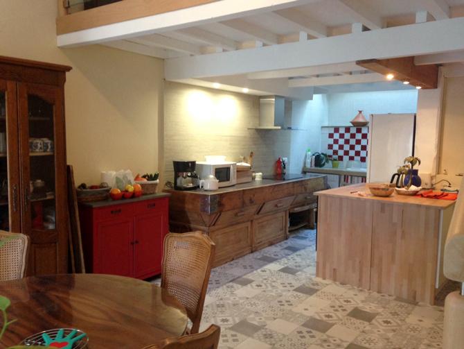 Maison Jaune - Vue de la cuisine